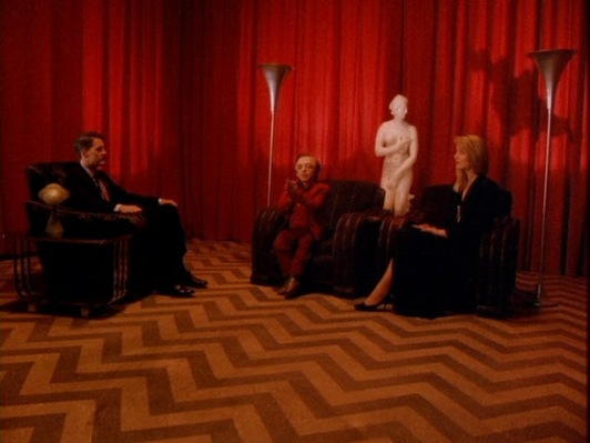 The Venus Pudica seen in the background of the Black Lodge.